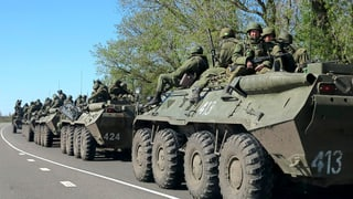 Russische Soldaten ziehen sich zurück