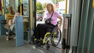 Rollstuhlfahrer ärgern sich über Baselbieter Regierung