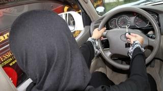 Saudische Politikerinnen fordern Ende des Fahrverbots für Frauen