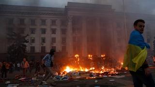 Polizei berichtet von Dutzenden Toten nach Brand in Odessa