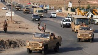 Erste Peschmerga-Kämpfer auf dem Weg nach Kobane