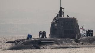 Britisches Atom-U-Boot rammt Handelsschiff