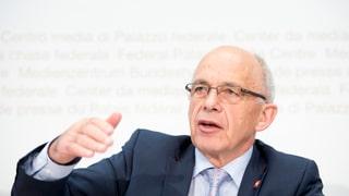 Die Schweiz und der Währungsfonds kamen nur schwer zusammen. Doch nun möchte man einander nicht mehr missen. Kritik gibt's trotzdem.