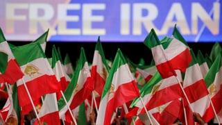 Tausende Exil-Iraner fordern Regimewechsel