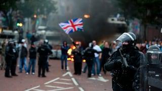 Belfast: Zahlreiche Verletzte bei neuen Protesten