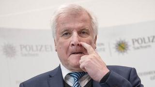 Seehofer tritt als CSU-Vorsitzender zurück