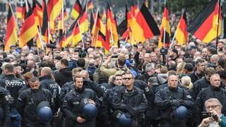 Polizeigewerkschaften mahnen Politik zu Mässigung