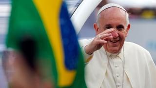 Favela statt Prunk: Papst Franziskus in Brasilien