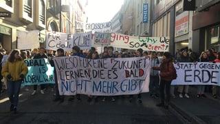Basler Schüler wieder für die Umwelt auf der Strasse (Artikel enthält Audio)