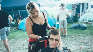 Hairvice Public: der mobile Coiffeursalon am Openair