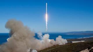 SpaceX schickt wieder Rakete ins All