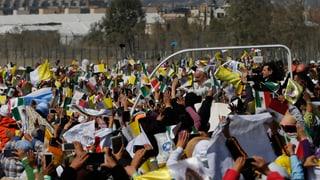 Hunderttausende jubeln Papst Franziskus in Mexiko zu