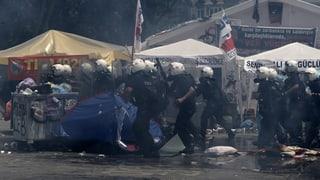 Istanbul: Polizei stürmt Protestlager