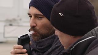 Video «Wer trinkt, fährt nicht? Salar muss. Mit 1,1 Promille» abspielen