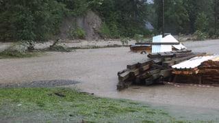 Hochwasserwelle an der Emme