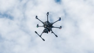 So will Skyguide die Drohnen am Schweizer Himmel kontrollieren