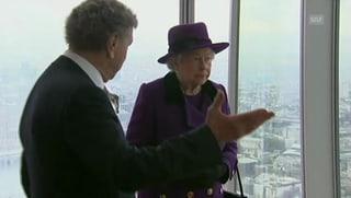 Schwindelfreie Queen: Elizabeth auf 244 Meter hohem Turm