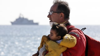 Glück auf hoher See: Syrische Familien aus Seenot gerettet