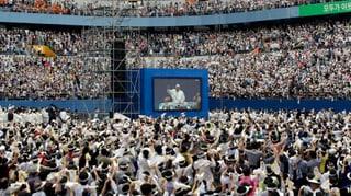 Frenetische «Viva Papa»-Rufe bei der Freiluftmesse in Taejon
