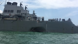 US-Kriegsschiff kollidiert mit Tanker: Zehn US-Seeleute vermisst