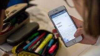 Handy wird in Frankreich aus Schulen verbannt
