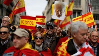 Barcelona: Demonstrants cumbattan cunter separatissem