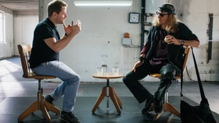 Slam-Poet Gabriel Vetter trifft Musiker Chris von Rohr (Artikel enthält Video)
