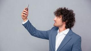 Mit einem Selfie-Film seine Identität beweisen (Artikel enthält Audio)