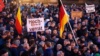 Pegida marschiert wieder in Dresden