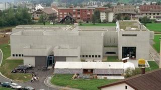 Regierung soll Privatisierung der Gefängnisse prüfen