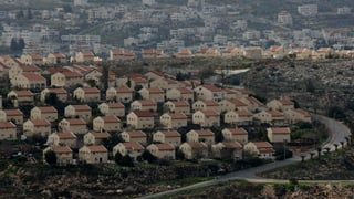 Das israelische Parlament hat Wohnungen von Siedlern auf palästinensischem Privatland legalisiert.
