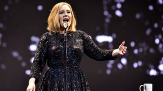 Adele bringt das Hallenstadion zum Schweigen