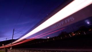 Staziuns digitalas, vaguns intelligents e trens teleguidads