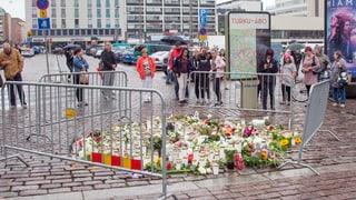 Polizei geht von Terror aus und verhaftet Landsleute des Täters