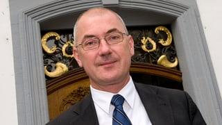 Isaac Reber propagiert einen Gegenvorschlag zur Fusionsinitiative