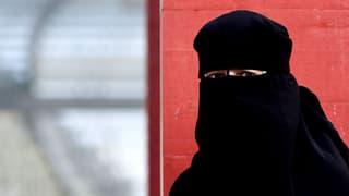 Darf man die Burka aus der Schweizer Öffentlichkeit verbannen?