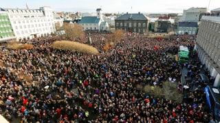 Tausende demonstrieren gegen Islands Regierungschef