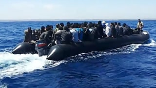 Video «Mit Schleppern unterwegs: Bei den Menschenhändlern in Libyen» abspielen