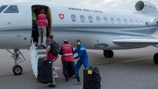 Schweizer Rettungsteam auf dem Weg nach Nepal