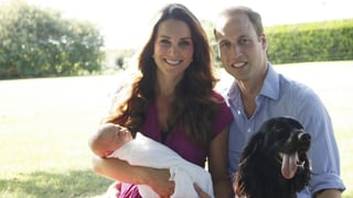 Baby George krabbelt und seine Eltern schauen nicht zu