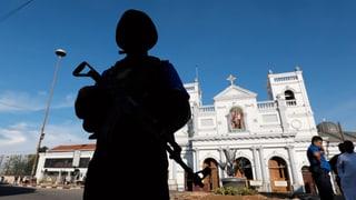 Dumber d'unfrendas en la Sri Lanka crescha