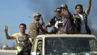 Islamisten brandschatzen in Tripolis