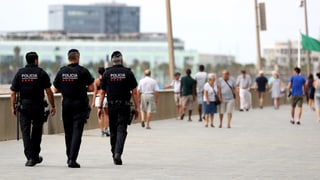 Spaniens Behörden gehen offenbar von einer grösseren islamistischen Terrorzelle aus.