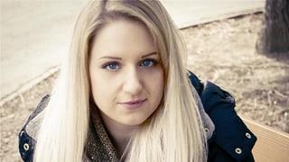 Michèle (26) spricht über ihre Adoption