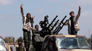 Die Kämpfe haben den Flughafen von Tripolis erreicht
