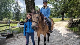Mit dem «Zambo bi dir» bei Léonie und ihren Ponys
