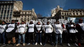 Tausende demonstrieren gegen hohe Lebensmittelpreise