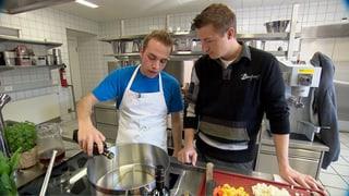 Video «Hackbraten fürs Schulheim vom Schloss Kasteln» abspielen