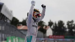 Hamilton hält mit Start-Ziel-Sieg die Hoffnung aufrecht