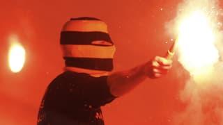 Wer im Stadion Feuerwerk zündet, soll saftige Busse kassieren